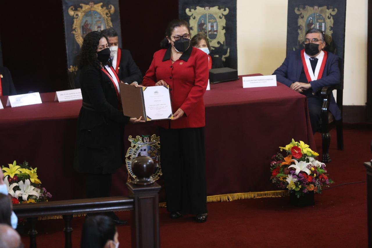 CONGRESO DISTINGUE A PRIMERAS MUJERES RECTORAS DE UNIVERSIDADES DEL PERÚ